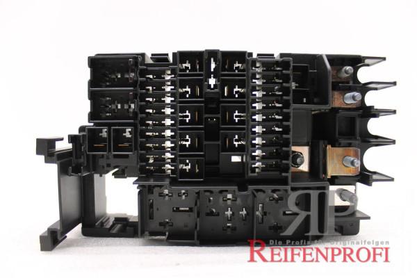 Original VW Passat 3C Mehrfachsicherung Kasten für Motorraum 5C0937819B Neu