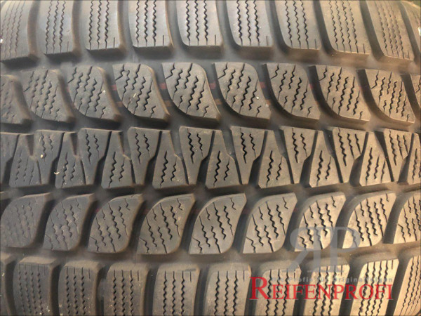Bridgestone Blizzak LM-25 4x4 Winterreifen 255/50 R19 107V DOT 10 6,0mm(RFT) RR7-A