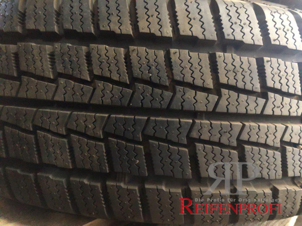 Hankook Winter W06 Winterreifen 205/65 R16 107/105T C-Decke DOT 15 DEMO 50-A