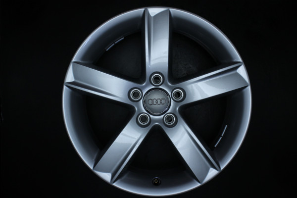 Original Audi A4 8K B8 8K0071497 Satz Felgen 17 Zoll