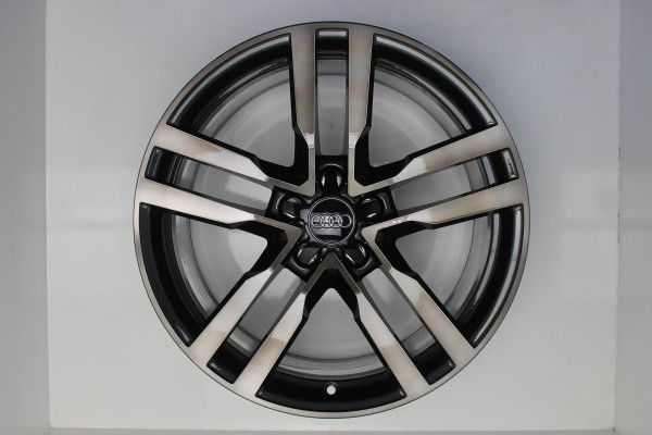 Original Audi TT TTS 8S S Line 8S0601025F Felgen Satz 19 Zoll
