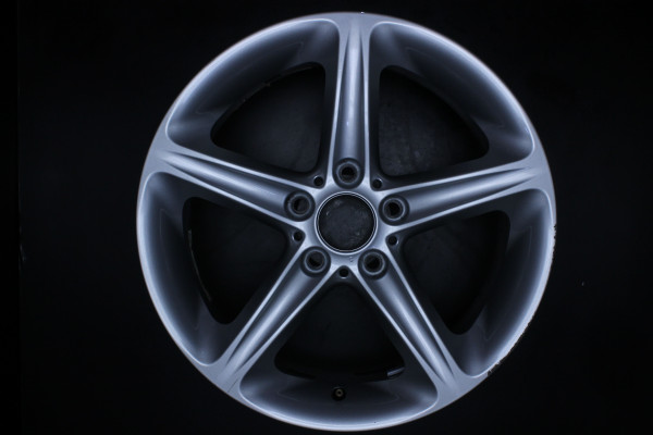 Original BMW 1er E81 E82 E87 E88 6779800 Sty. 264 Einzelfelge 18 Zoll E1
